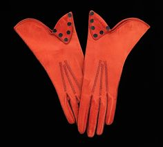 Gauntlets, Department Store: Galeries Lafayette , (French, founded 1893), Date: 1930–39, Culture: French, Medium: leather
