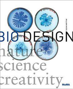 BIODESIGN : NATURE - SCIENCE - CREATIVITY (Édition de Poche) William Myers  Éd. Thames & Hudson Ltd (juillet 2014) Biodesign est un livre publié à l'origine en 2012 par le Museum of Modern Art (MoMA) et Thames & Hudson. Sa réédition en poche cet été après la grande exposition organisée à Rotterdam, permet de redécouvrir comment des projets de design utilisent la biologie et le vivant, non pas seulement comme source d'inspiration mais comme paradigme conceptuel.