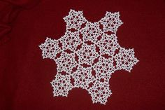 Ravelry: Pine Tree Doily pattern by Coats Design Team