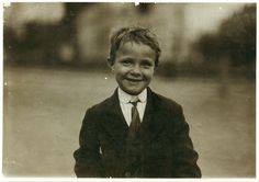 Washington (D.), District of Columbia. Wisconsin, Lewis Hine, American Children, New York, Black And White Colour, Vintage Children, Old And New, Washington Dc, Vintage Photos