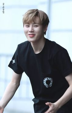 Wanna-One - Ha Sungwoon Produce 101, Sung Hoon, Korean Words, Thing 1, Kim Jaehwan, Ha Sungwoon, Smiles And Laughs, 3 In One, Seong