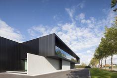 Gallery of Versluys / Govaert & Vanhoutte Architects - 18