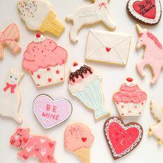 Unicorns, cupcakes, and sundaes, oh my!                                                                                                                                                                                 もっと見る