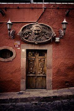 """Door, """"El Grito"""" in San Miguel de Allende, Mexico"""
