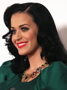 Katy Perry looking very 50s.