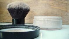 Un tutorial muy detalladito para hacer tus polvos translúcidos y mineral foundation en casa.