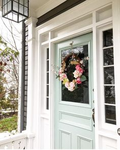 Door color is Benjamin Moore Catalina Blue Front door entrance Exterior Paint Colors, Exterior House Colors, Exterior Design, Front Door Colors, Front Door Decor, Colored Front Doors, Apartment Entryway, Apartment Ideas, Painted Doors