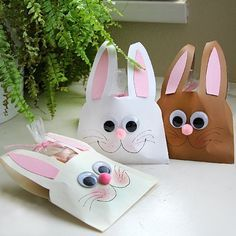 Create quick and adorable bunny treat holders from common household envelopes! Step by step photo tutorial.