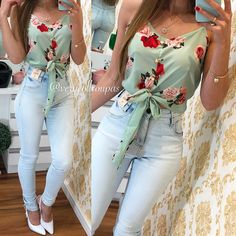 La imagen puede contener: una o varias personas y personas de pie Cute Summer Outfits, Spring Outfits, Cool Outfits, Look Fashion, Girl Fashion, Fashion Outfits, Desi Wedding Dresses, Casual Dresses, Casual Outfits