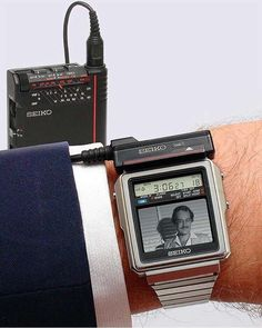 watch,tech-The Seiko TV watch 1982 Japan. This was just before I was born but would love to own one seiko watch tech wearabletech tv tvwatch wr Composition D'image, Tv Vintage, What Is Apple, Retro Watches, Vintage Watches For Men, Tv Watch, Old Tv, Tech Gadgets, Seiko