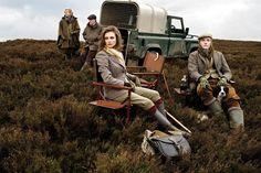British leisure time- Land Rover, ladies, and pups British Country Style, Country Wear, Town And Country, Country Life, Country Living, Countryside Fashion, Country Fashion, Safari, Style Anglais