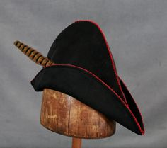 Robin Hood is an English folk hero who robbed the rich to feed the poor. These quality Robin Hood hats come in many colors and sizes for adults and children. Good for Robin Hood costumes, bow hunting and archery in addition to cosplay. Bow Hunting, Toad, Larp, Robin, Collection, Fantasy, Image, Fantasy Books, European Robin