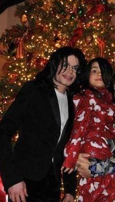 Michael Jackson and Blanket | Christmas 2008 | It was Michael's last Christmas.