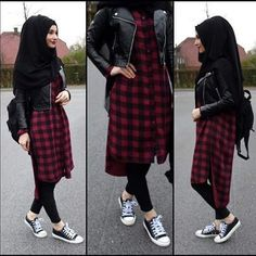 Hijab Fashion 2017 : Comment avoir un Hijab street style tendance Hijab Fashion 2017, Street Hijab Fashion, Fashion Outfits, Outfit Zusammenstellen, Outfit Look, Hijab Outfit, Muslim Women Fashion, Islamic Fashion, Hijab Chic