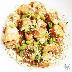 Crockpot Cashew Chicken with Cauliflower Rice Whole 30 approved via momsbestnetwork.com
