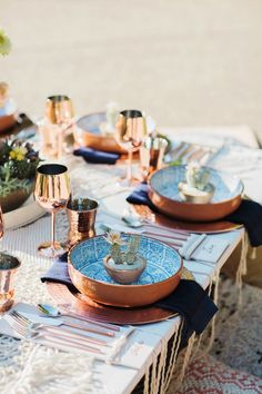 Reception table with copper tableware