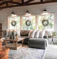 Awesome 80 Inspiring Farmhouse Living Room Design Ideas https://quitdecor.com/3401/80-inspiring-farmhouse-living-room-design-ideas/