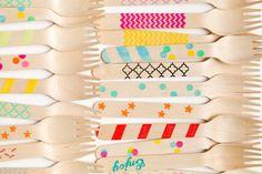 Sucre Shop, fiestas llenas de color con cubiertos de madera decorados http://www.minimoda.es