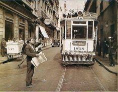 1930's Bs. As., tranvía y vendedor de diarios