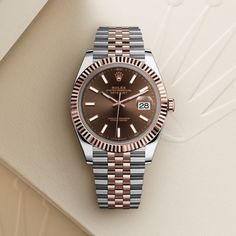 The Rolex Datejust 41 in Oystersteel and Everose gold, 41 mm case, Chocolate dial, Jubilee bracelet. The classic watch of reference. Rolex Watches For Men, Vintage Watches For Men, Luxury Watches For Men, Antique Watches, Datejust Rolex, Rolex Presidential, Rolex Cellini, Rolex Women, New Rolex