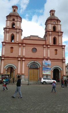 """IPIALES """"Primera radio Teletón en pro de la restauración del templo Catedral"""" (Radio Ipiales Caracol - 1 Abr 2016 /IPITIMES en PINTEREST)"""