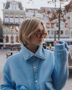 Awesome Super Who dares this Fall?🍂 The bob is the hottest hairstyle of this season and R H. Hot Haircuts, Short Bob Hairstyles, Trendy Hairstyles, Short Hair, Hot Hair Styles, Curly Hair Styles, Pelo Pixie, Trending Haircuts, Dream Hair