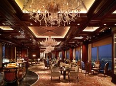 Have a drink in the bar! Island Shangri-La Hong Kong @chiarap