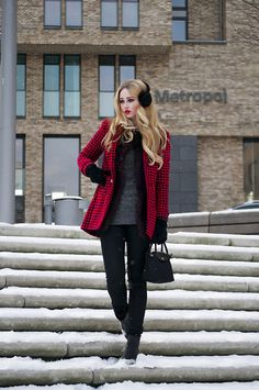 red plaid over black and grey - great way to warm up the outfit!   (by Li VanDerelbe) http://lookbook.nu/look/4537371-Snow