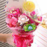 """プレゼントに♡可愛い♡♡""""キャンディブーケ""""って知ってますか?専門店とDIYの方法をご紹介! Harry Birthday, Candy Bouquet, Merry Christmas, Wraps, Creative, Gifts, Diaper Cakes, Bouquets, Wrapping"""