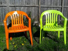 Refurbish your old lawn chairs with some $5 rustoleum paint. Clings well to plastic. Diy Projects To Try, Home Projects, Rustoleum Paint, Cheap Chairs, White Dining Chairs, Painting Plastic, Lawn Chairs, Cottage Chic, Furniture Projects