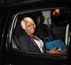 The newlywed Mrs. NeNe Leakes hit up Mr. Chow in Los Angeles over the weekend looking extra fly with her new asymmetrical bob. And, while the cut and length may be different from her usual flawless...