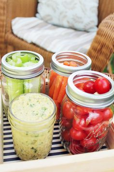 Perfect dip for gorgeous summer veggies! 5 Ingredient White Bean Hummus #cleaneating