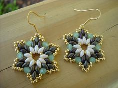 Twinkle twinkle...:Superduo and seed bead earrings,crystal beadweaving earrings