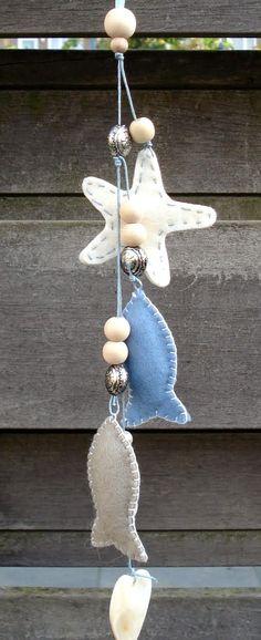 felt starfish garland Felt Garland, Felt Ornaments, Fabric Ornaments, Seashell Crafts, Beach Crafts, How To Make Sand, Crafts To Sell, Diy Crafts, Baby Dekor