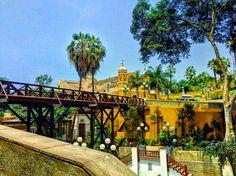 Vista del Puente de los Suspiros y Ermita de Barranco , Lima - Perú