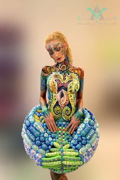 Here you will find news about Bella Volen's new art projects, bodypainting, painting, exhibitions, art videos & photography Woman Painting, Body Painting, Balloon Skirt, Fancy Hairstyles, Festivals, Human Art, Hair Art, Sexy Body, Body Art Tattoos