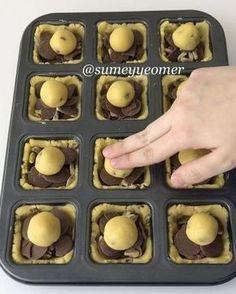 İşte bu tarifte iddialıyım! Ciddi söylüyorum bence dünyanın en iyi kurabiyesi Tereyağlı damla çikolatalı kurabiyenin çikolata ve fıstıkla…
