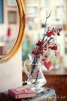 A very cute DIY idea to create some romantic atmosphere on Valentine's Day.