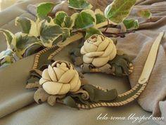 Беларома: Колье и заколка для волос с цветком из кожи.