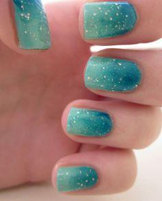 "Nail Art - smalto sfumato ""oceano"" con glitter - All Tube and MakeUp"