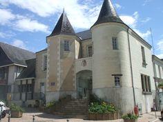 Mairie de Doué-la-Fontaine