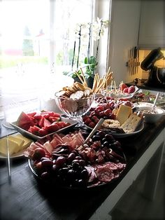 Casual buffet - note - the link to the website does not land on this pic but easy enough to put this buffet together just by looking at the pic Birthday Bash, Finger Foods, House Warming, Buffet, Brunch, Appetizers, Entertaining, Parties, Party Ideas
