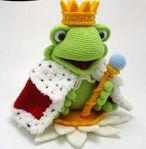 Мобильный LiveInternet вязаный принц - лягушка | Риоритта - Вязаные игрушки |