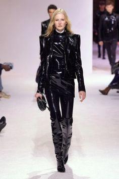 balmain menswear mens pfw pfwm paris runway @sssourabh Women's Runway Fashion, Mens Fall, Balmain, Leather Pants, Menswear, Paris, Style, Leather Jogger Pants, Swag
