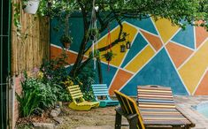 Área externa ganha cores, espreguiçadeiras, horta e gazebo e se transforma. Veja fotos - Mais cor, por favor - GNT