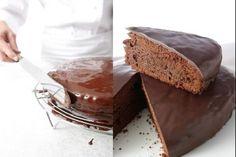 Recette de Glaçage chocolat facile, Une couverture en chocolat pratique et facile à réaliser pour les gâteaux ou les cupcakes.