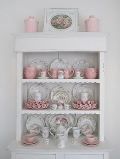 Shabby Chic ♥ Hutch