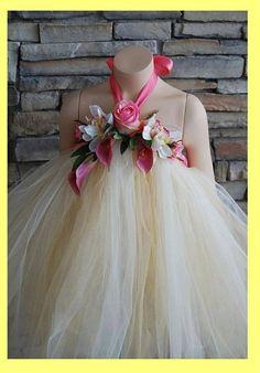 Exquisite flower girl tulle dress. <3