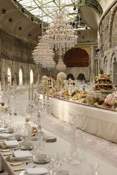 spectacular        Chanel runway~Paris F/W 2012    Would love to be there and eating..yummm