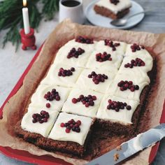 Mjuk pepparkaka i långpanna med glasyr - recept | Mitt kök Cake Recipes, Dessert Recipes, Desserts, Healthy Recepies, Food Cakes, Cakes And More, Christmas Treats, I Want To Eat, No Bake Cake